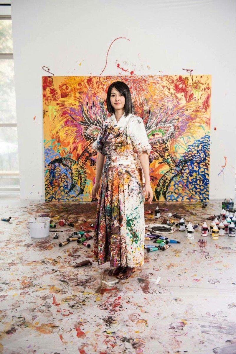 美人画家小松美羽の代表作品は?販売場所や価格などはあるのか?【徹子の部屋】 | 最近のトレンドニュース速報